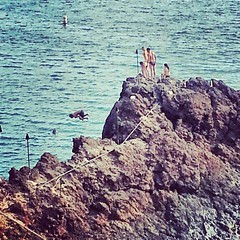 Everyone's flipoing out at #blackrock in #kaanapali  in #maui so#fun #beautiful #water #sea #instalike #insatdaily #instamood #water #cliffdive