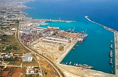 port(1.0), bird's-eye view(1.0), dock(1.0), artificial island(1.0), aerial photography(1.0), marina(1.0), infrastructure(1.0),