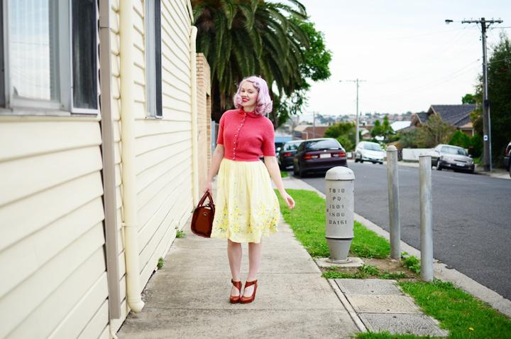vintage pink cardigan e