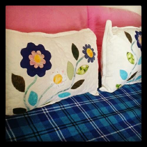 Mini travesseiros pra deixar qualquer canto da sua casa mais bonito! by Joana Joaninha