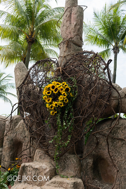 Sentosa Flowers 2013 - Sunflower Island 3