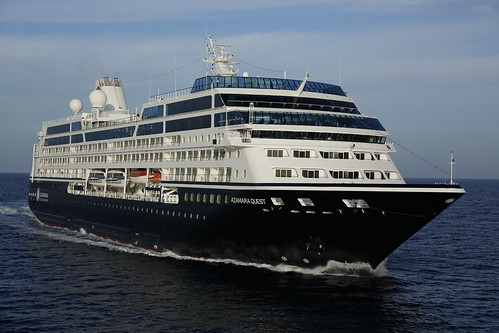 Azamara Quest - new blue hull for 2013