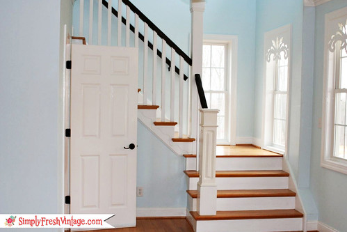 Front Stairs ... SimplyFreshVintage.com