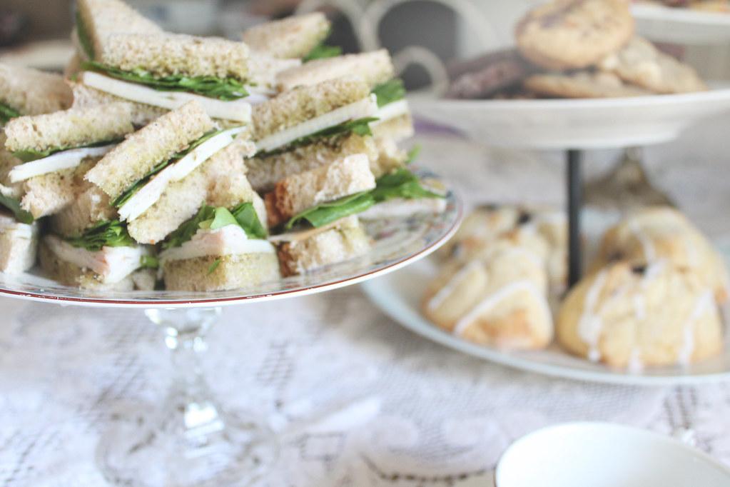 turkey, swiss, spinach, pesto tea sandwiches