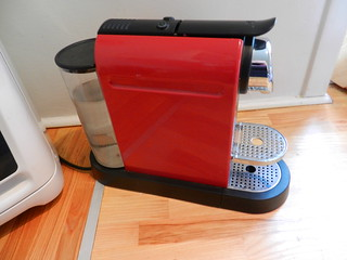 Nespresso Coffee Machine 750dkk