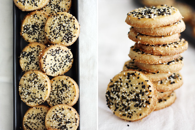 Sweet and Salty Sesame Cookies | girlversusdough.com @girlversusdough