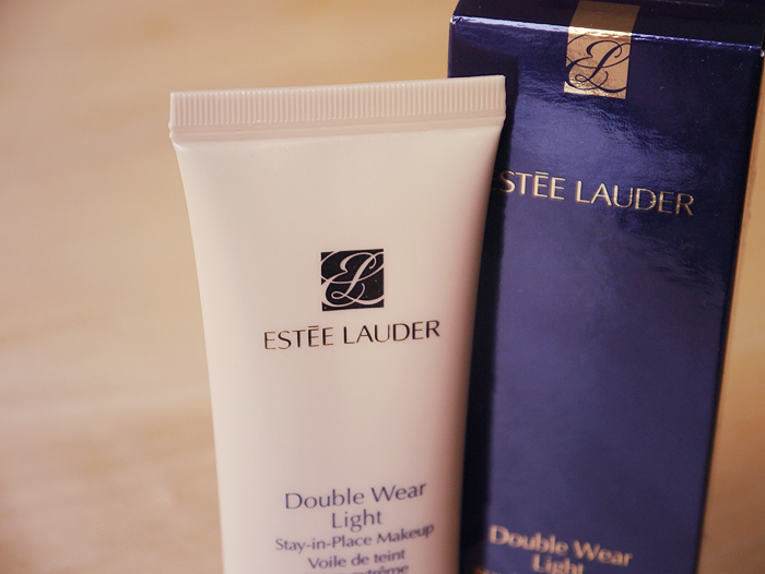 Estee Lauder Double Wear Light Foundation Review 2