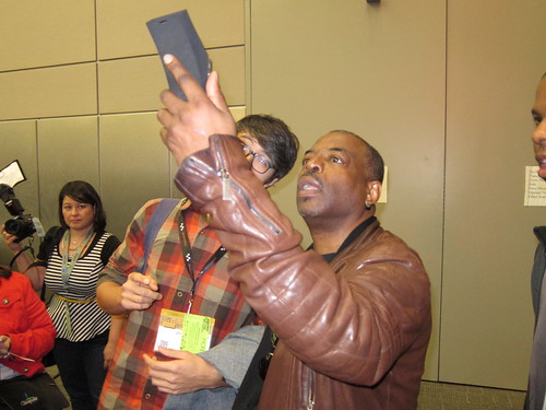 LeVar Burton uses a Public Lab spectrometer at SXSW