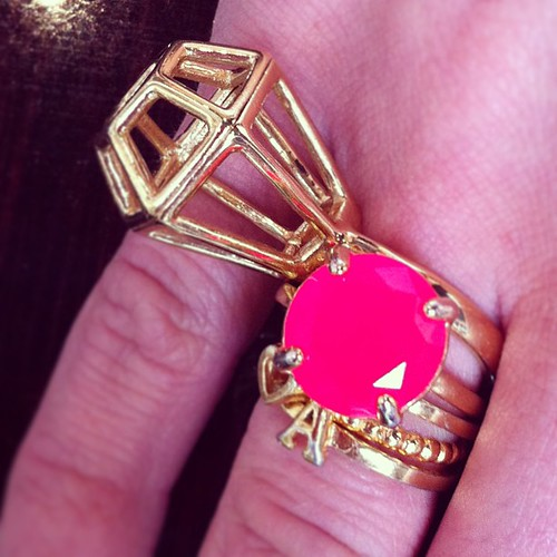 How amazing are @kateallen0910's rings!!! Can't even handle it! #stlfw @alivemagstl