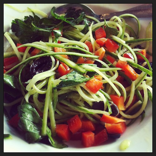 Cucumber spaghetti, red pepper, black olives, parsley and Pine nuts #salad #raw #vegan #vegetarian by Salad Pride