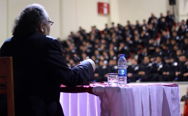 Tarhan'dan Polislere 'Güzel İnsan Modeli' Konferansı 3