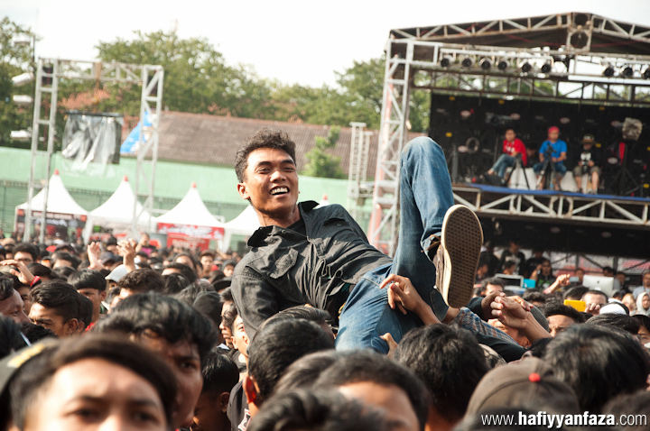 "Rocket Rockers Live at Bandung Berisik 2013 ""Versus The World"" Photo by Achmad Hafiyyan Faza"
