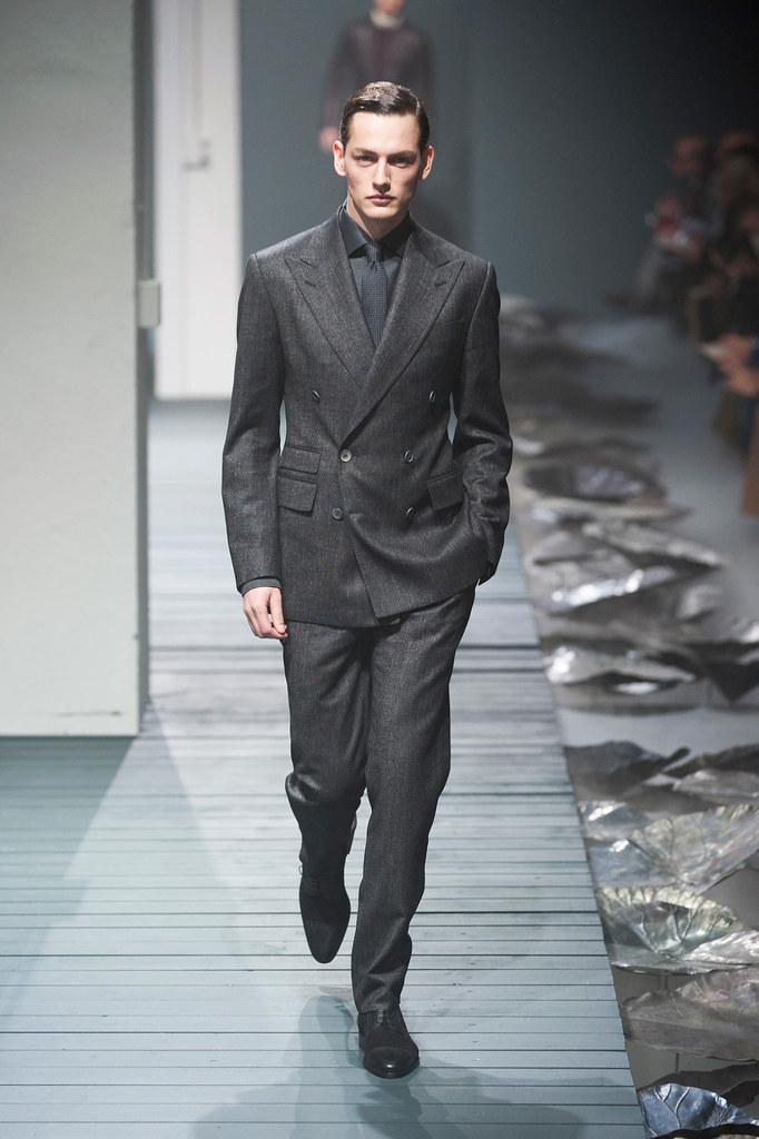 Jakob Hybholt4060_FW13 Milan Corneliani(fashionising.com)