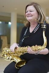 horn(0.0), saxophone(1.0), brass instrument(1.0), wind instrument(1.0),