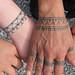 Photo mains tatouées