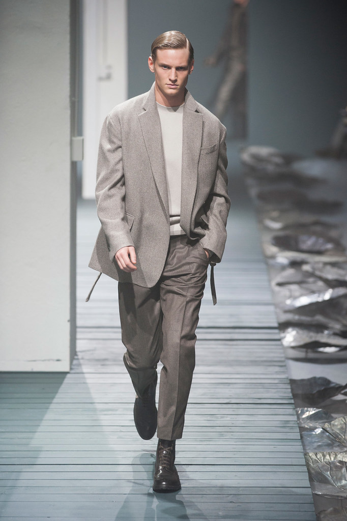 Alexander Johansson3517_FW13 Milan Corneliani(fashionising.com)