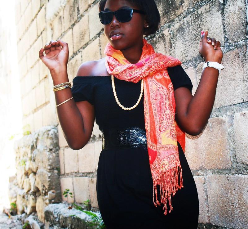 black,geneva watch, white cross watch, dillards scarf,liz clairbone glasses,diva,haiti,island