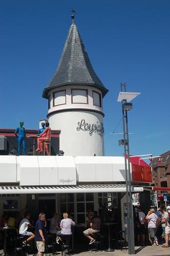 In Westerland kann Restaurantessen kaum bezahlt werden.