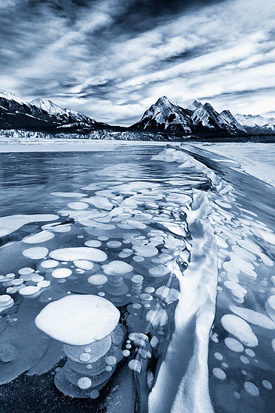 Abraham Lake at Kootenay Plains, Bighorn Wildlands,  Alberta, Canada