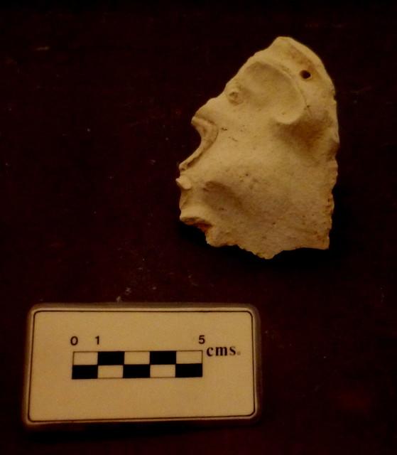 Máscara de terracota. (Obvlco, 1989)