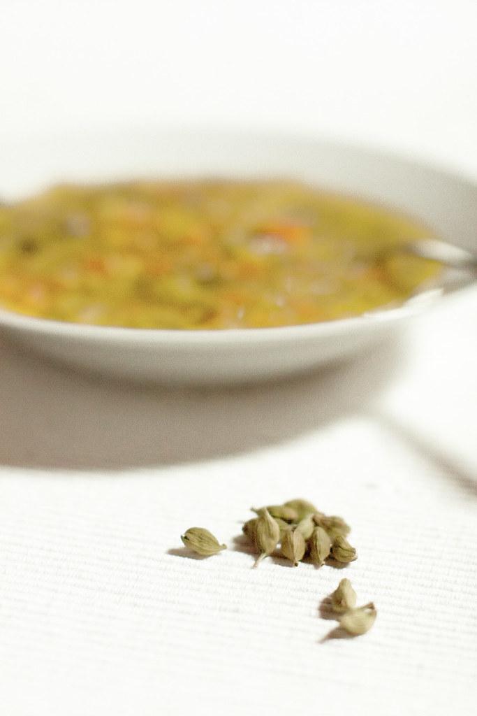 Sopa de puerro y zanahoria con un toque de cardamomo
