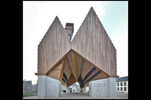 BE gent stadshal 02 2012 robbrecht & daem_v hee mj (braunpln)