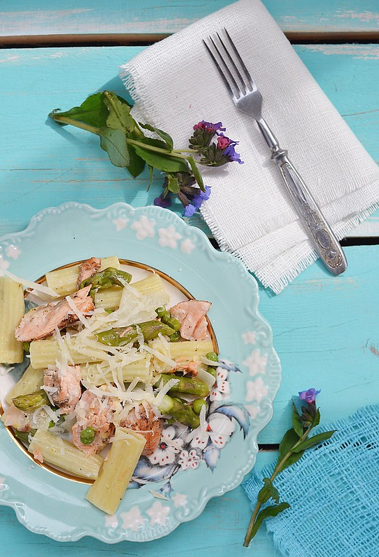 pasta with salmon and asparagus