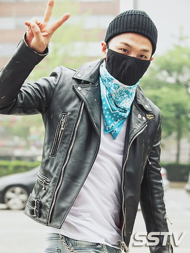 Taeyang BIGBANG KBS Music Bank arrival 2015-05-15 PRESS018