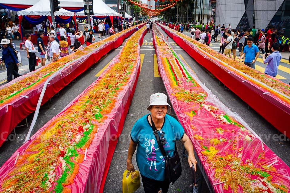 977 meter long Yee Sang @ Bukit Bintang, Kuala Lumpur, Malaysia.