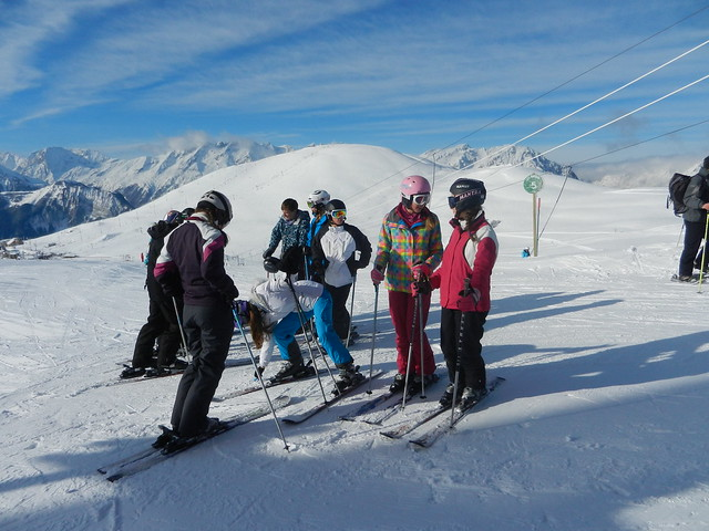 students on the slopes 4