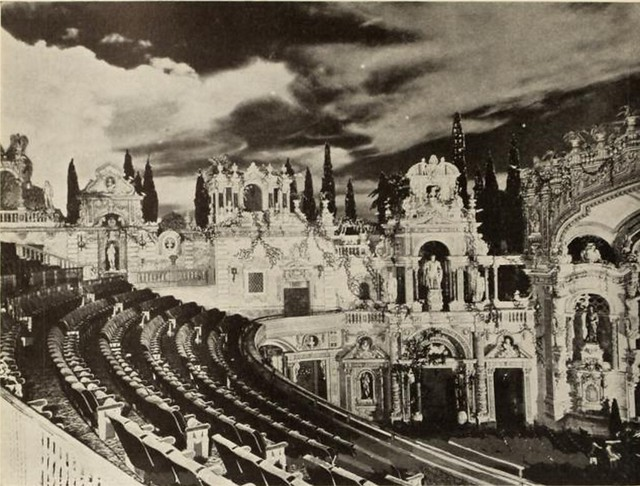 Loew's Paradise Theatre, New York in 1930