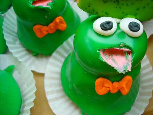 Frog Cupcakes, Whats for Dessert, Spring Lake Heights NJ