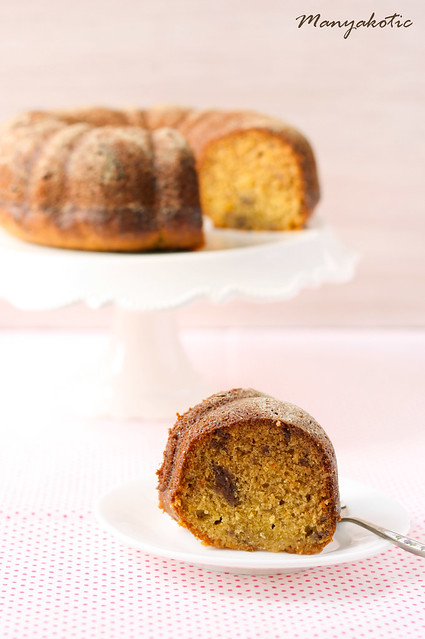 Orange and date bundt cake