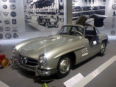sports car(0.0), race car(1.0), automobile(1.0), vehicle(1.0), automotive design(1.0), mercedes-benz(1.0), mercedes-benz 190sl(1.0), mercedes-benz 300sl(1.0), antique car(1.0), classic car(1.0), vintage car(1.0), land vehicle(1.0), luxury vehicle(1.0),