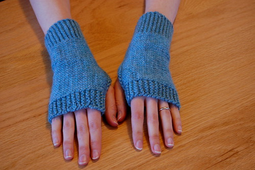 Easy Fingerless Mitts, finally