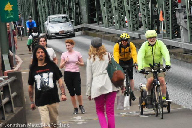 Hawthorne Bridge bike counter hits 1 million-1