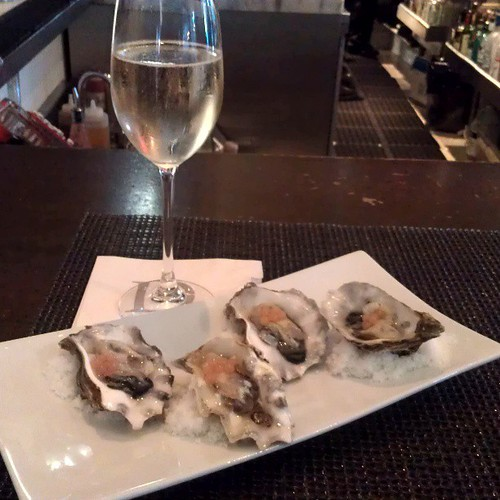 Prosecco & Oysters
