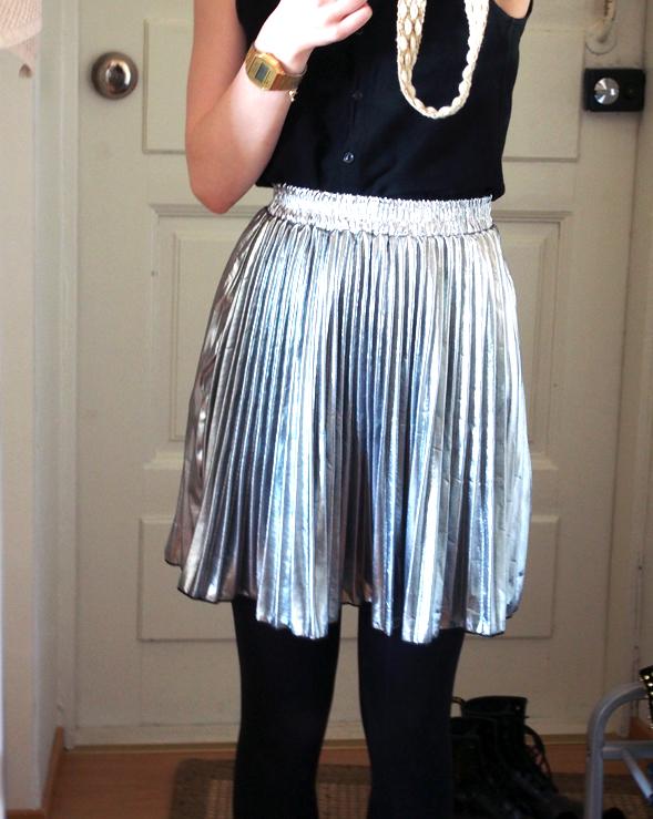 ida365_ silver skirt