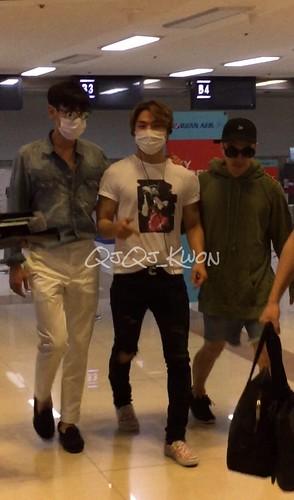 BIGBANG wout Seungri departure Seoul to Tokyo 2016-08-26 (3)