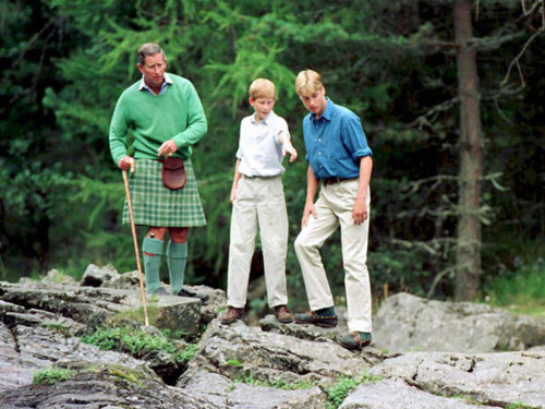 1997- August 16, 1997 - Prince Charles with Prince William and Prince Harry in Balmoral
