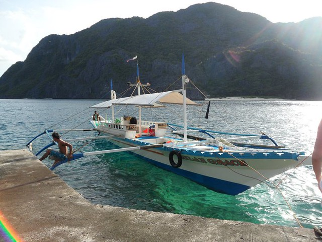 Boat-tours-Palawan-Philippines
