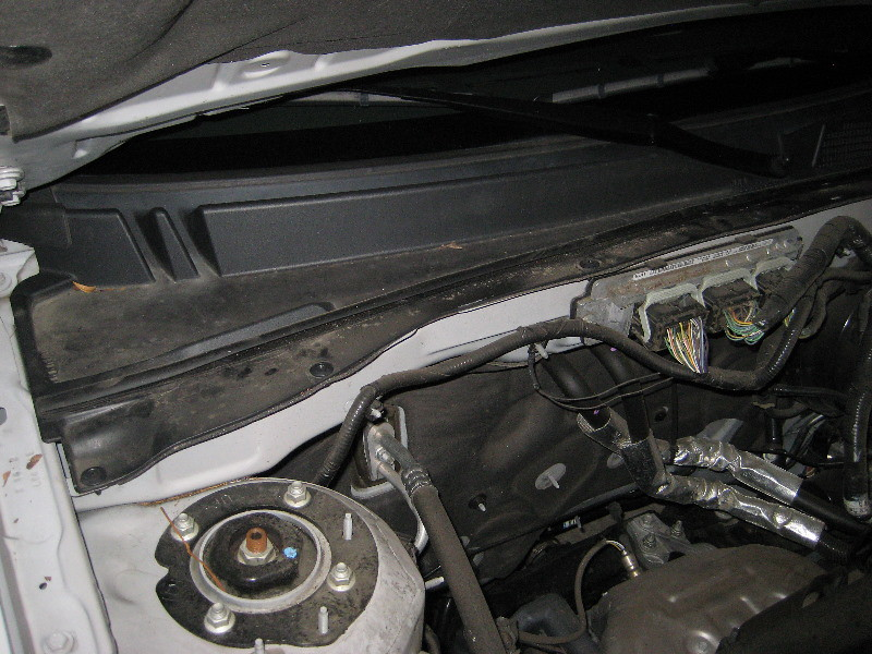 Ae Dec E B on 2003 Ford Escape Fuel Filter Replacement