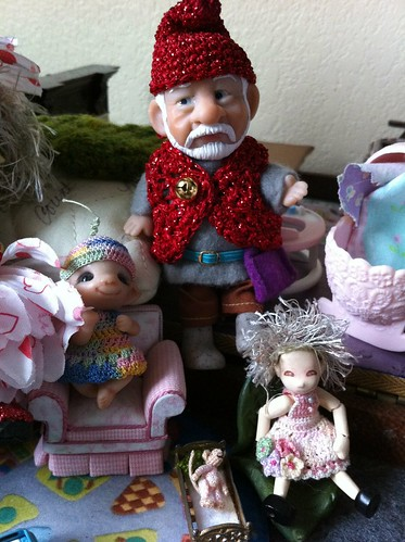 GnomeyK w/ Baby Pearlie, Tigglet & Mouselet PLaY'nZ by DollZWize