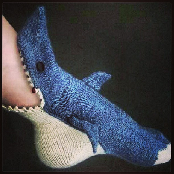 Knitting Pattern For Shark Socks : I NEED these #socks ! #shark #awesome #knit #jaws # ...