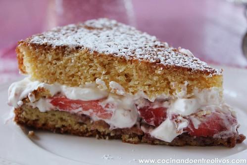 Victoria Sponge Cake www.cocinandoentreolivos (2)