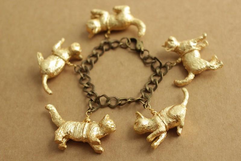 Four Hearts Girls Tutorial Gold Leaf Cat Bracelet