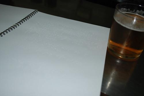 Carta en braille en el Bar Asturias