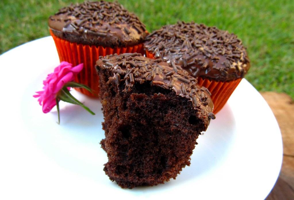 Cupcake-de-chocolate-com-ganache-de-chocolate