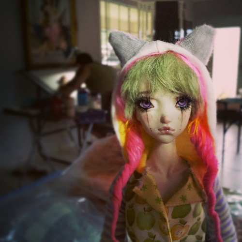 "A new doll is almost finished while @gamalierbravo is working on the finishing touches of a brand new F H illustration. ""Candy Pop"" collection will make its debut at the Quinlan Doll Convention in PA . Clarion Hotel days 2-4 May. Stop by and say hello! by FHdolls"