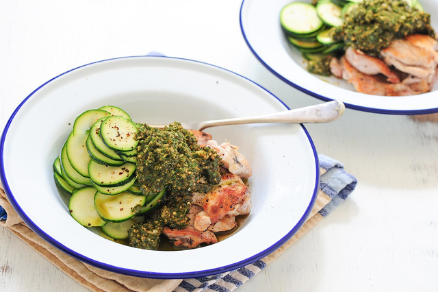 pesto chicken with zucchini_-2